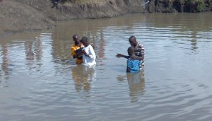 After worship 40 plus people were baptized in the Nile River!!